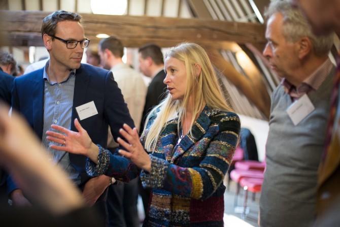 Omgevingsmanager Jacqueline te Lindert in gesprek. Foto door Nina Albada