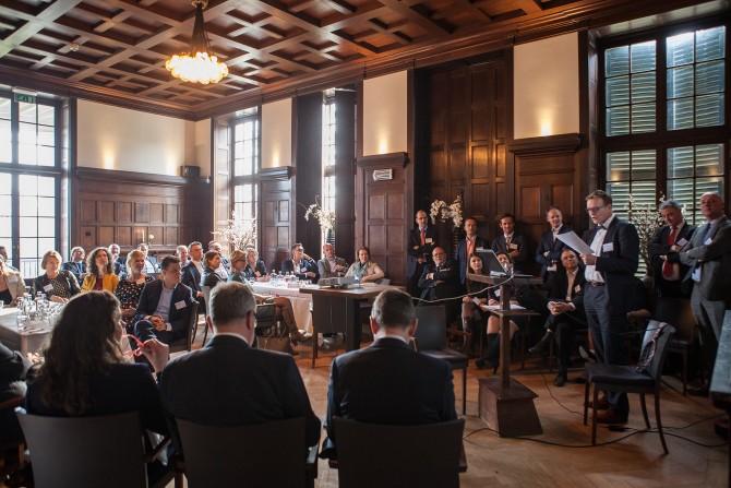 De deelnemers spraken hun leidinggevenden en de managers van het Kernprogramma ook toe.